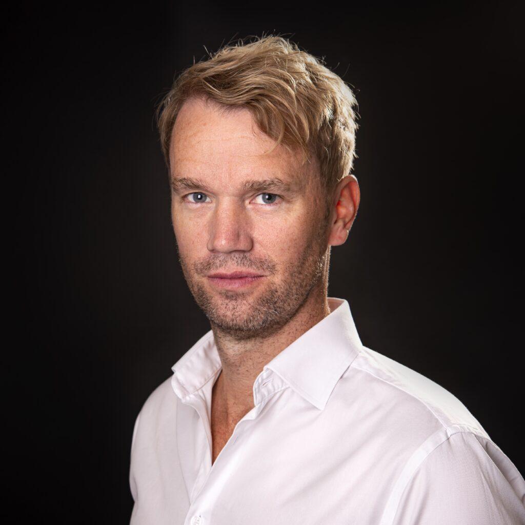 Porträtt av operasångaren Carl Ackerfeldt.