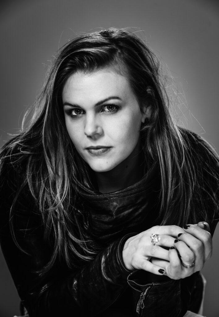 Porträtt av operasångerskan Elisabeth Meyer.
